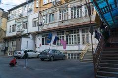 Tiflis, Georgia 25. September 2016: Typischer Hof im Herzen der alten Stadt Tbilisi, Georgia Lizenzfreie Stockfotos