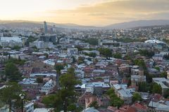 Tiflis Georgia - Stadtbild - Ansicht der Stadt stockfotos