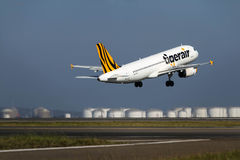 Tiger Air Airbus A320 takes off Stock Photography