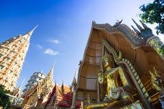 Tiger Cave Temple Wat Tham Sua dans Kanchanaburi, populaire avec des touristes et des étrangers photo libre de droits