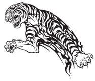 Tiger in der Stammes- Tätowierung des Sprunges Stockfoto