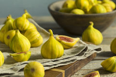 Tiger Figs orgânico amarelo cru imagens de stock