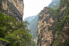 Tiger Leaping Gorge, Qiaotou, Chine photographie stock