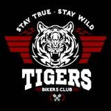 Tiger och vingar - grafisk design för logo logo klistermärke, etikett, arm, motorisk sport vektor illustrationer