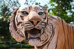Tiger-Statue Lizenzfreie Stockbilder