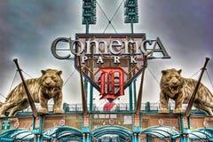 Tiger Statue på Comerica parkerar fotografering för bildbyråer