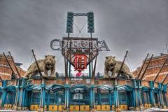 Tiger Statue på Comerica parkerar royaltyfri bild