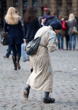 tigga brussels den gammala dåliga kvinnan Arkivfoto