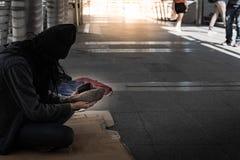 Tiggare behöver hjälp att tåla liv arkivbilder
