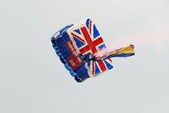 Tigrarna hoppa fallskärm laget Arkivbild