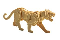 Tigre en bois d'isolement image libre de droits
