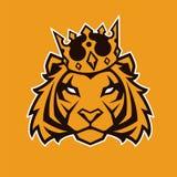 Tigre en mascota del vector de la corona imagen de archivo libre de regalías