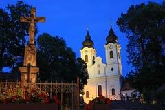 Tihany修道院在晚上 库存图片