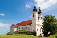 Tihany abbotskloster på Balaton sjön Arkivbilder