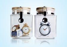 Tijd die in containers wordt bewaard Stock Fotografie