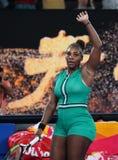 23-tijd Grand Slam-viert de Kampioen Serena Williams van Verenigde Staten overwinning na haar ronde van gelijke 16 bij Australian stock fotografie