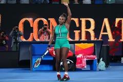 23-tijd Grand Slam-viert de Kampioen Serena Williams van Verenigde Staten overwinning na haar ronde van gelijke 16 bij Australian royalty-vrije stock foto
