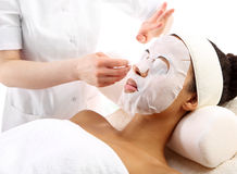 Tijd om, de vrouw bij day spa salon te ontspannen Royalty-vrije Stock Afbeeldingen