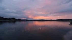 Tijd-tijdspanne van Arona bij zonsondergang, Arona, Italië stock footage