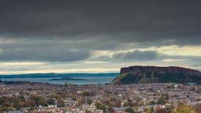Tijd-tijdspanne van de winterweer in Edinburgh stock footage