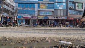 Tijd-tijdspanne van verkeer in Chuchepati in Katmandu, Nepal stock video