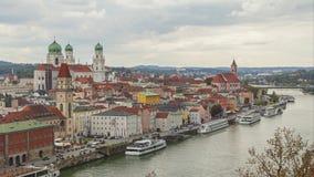 Tijd-tijdspanne video van Passau-horizon stock footage