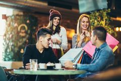 Tijd voor een koffie na het winkelen Royalty-vrije Stock Foto's