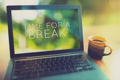 Tijd voor een koffiepauze uitstekende het uitgeven stijl Royalty-vrije Stock Foto