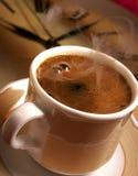 Tijd voor verse Turkse koffie. Stock Foto's