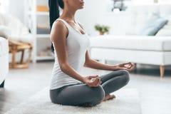 Tijd voor yoga royalty-vrije stock fotografie