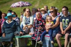 Tijdens festivalgebeurtenissen gewijd aan 69ste verjaardag van de vorming van Nikolskiy van de stedelijk-typeregeling op de rivie Stock Fotografie