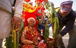 Tijdens het hoofd van de Verjaardagsviering van Newar-familie Royalty-vrije Stock Foto