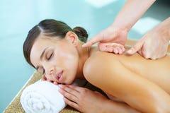 Tijdens massage stock foto