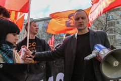 Tijdens viering van Meidag Sergei Udaltsov - één van leiders van Protestbeweging in Rusland Stock Foto's