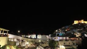 Tijdtijdspanne bij nacht in Chora van Astypalea-eiland stock footage