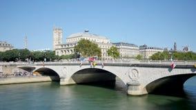 Tijdtijdspanne in Parijs van de Zegen en het Châtelet-district stock video