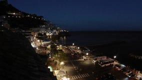 Tijdtijdspanne van het Amalfi havenvierkant in de avond stock videobeelden