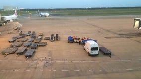 Tijdtijdspanne van Internationale de Luchthavenlandingsbaan van Brisbane in Queensland Australië stock videobeelden