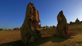 Tijdtijdspanne van kalksteen tijdens zonsopgang wordt geschoten die stock video