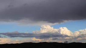 Tijdtijdspanne van onweerswolken stock footage