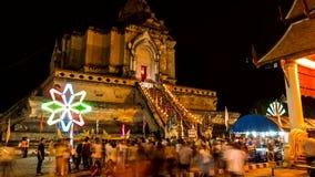 Tijdtijdspanne van oude pagode met het kleurrijke spinnen lighting2 stock videobeelden