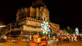 Tijdtijdspanne van oude pagode met het kleurrijke spinnen lighting5 stock videobeelden
