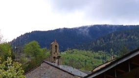Tijdtijdspanne van pyrenean dorp in Aude stock footage