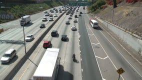 Tijdtijdspanne van Snelwegverkeer in Los Angeles Van de binnenstad stock videobeelden
