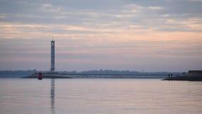 Tijdtijdspanne van vroege ochtend met vissers stock video