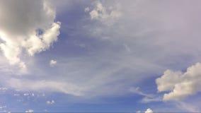 Tijdtijdspanne van witte wolken stock video