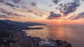 Tijdtijdspanne van zonsopgang over Monaco op Franse Riviera stock videobeelden