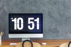 Tijdvertoning op Desktop royalty-vrije stock foto's