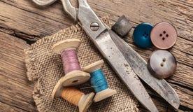 Tijeras y accesorios de costura Fotografía de archivo