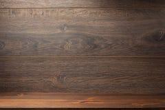 Tijolo de madeira e fundo marrom Fotos de Stock Royalty Free